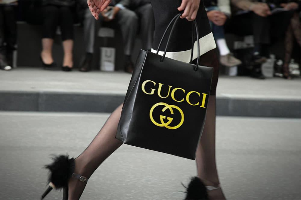 free leather shopping bag mockup