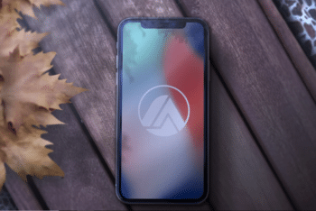 High Quality iPhone X PSD Mockup with Useful Features