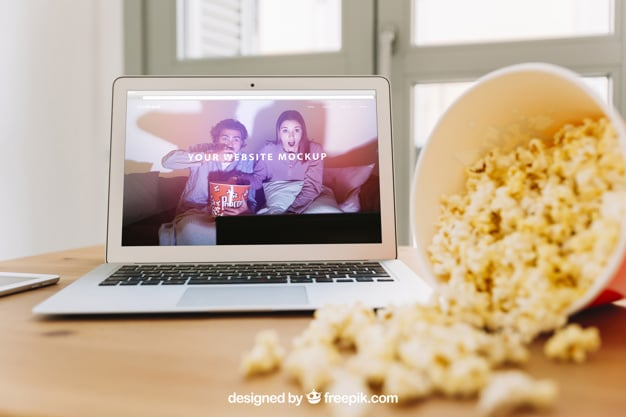 MacBook Plus Popcorn