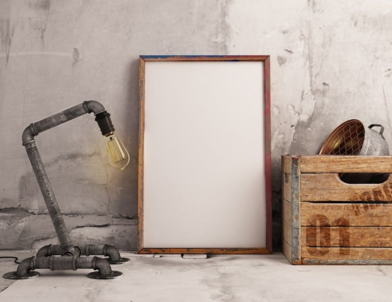 Realistic Frame Plus Industrial Lamp