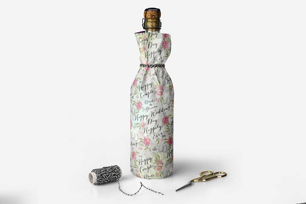 free wine bottle wrapper mockup