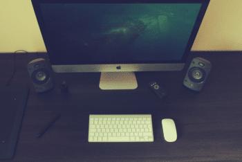 Free Photorealistic iMac Scene Mockup in PSD
