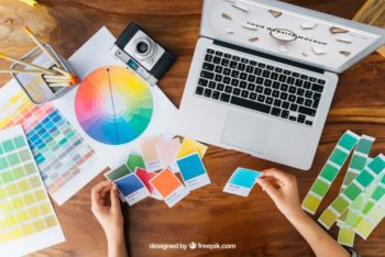Free Creative Graphic Designer Mockup in PSD