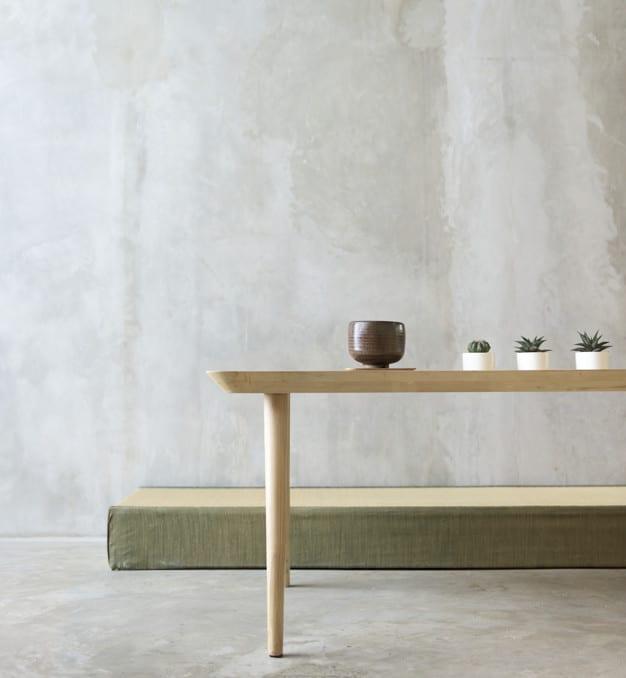 Empty Room Plus Table
