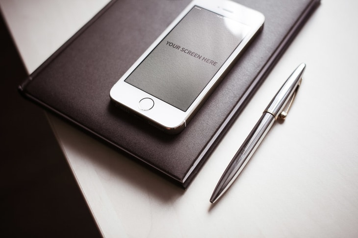 Photorealistic iPhone Plus Stationery