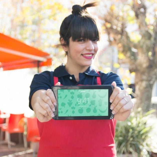Restaurant Waitress Plus Tablet