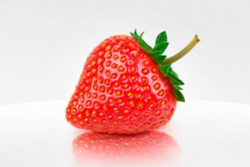 Free Sweet HD Strawberry Mockup in PSD